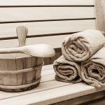 saunabank schwarzweiß