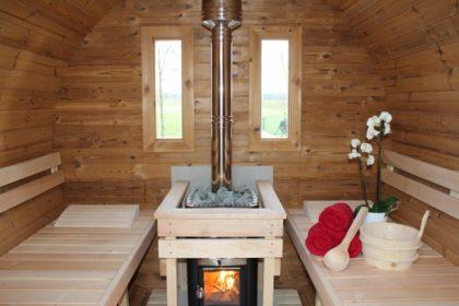komfortable Holzofen Sauna