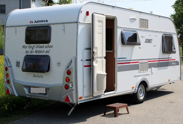 Absturzsicherung Etagenbett Wohnwagen : Wohnwagen miete dein mobiles sauna whirlpool und camping erlebnis!